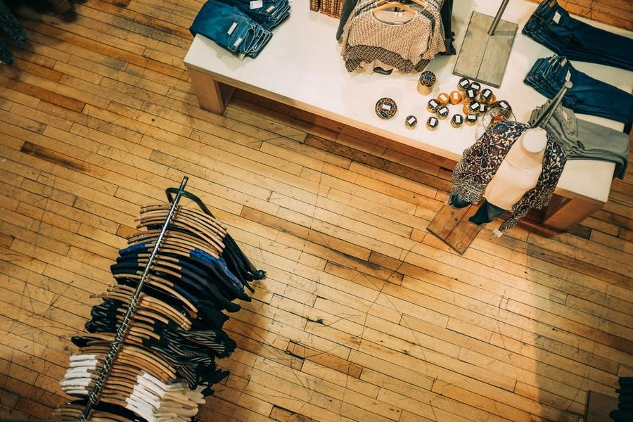 magasin de vêtements vue de haut